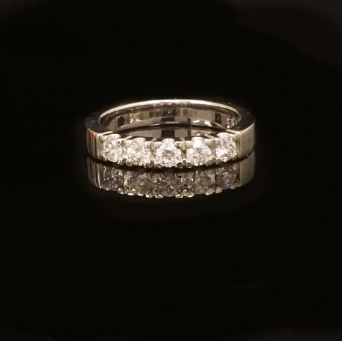 14kt hvidguld alliance ring med fem 0,2ct 