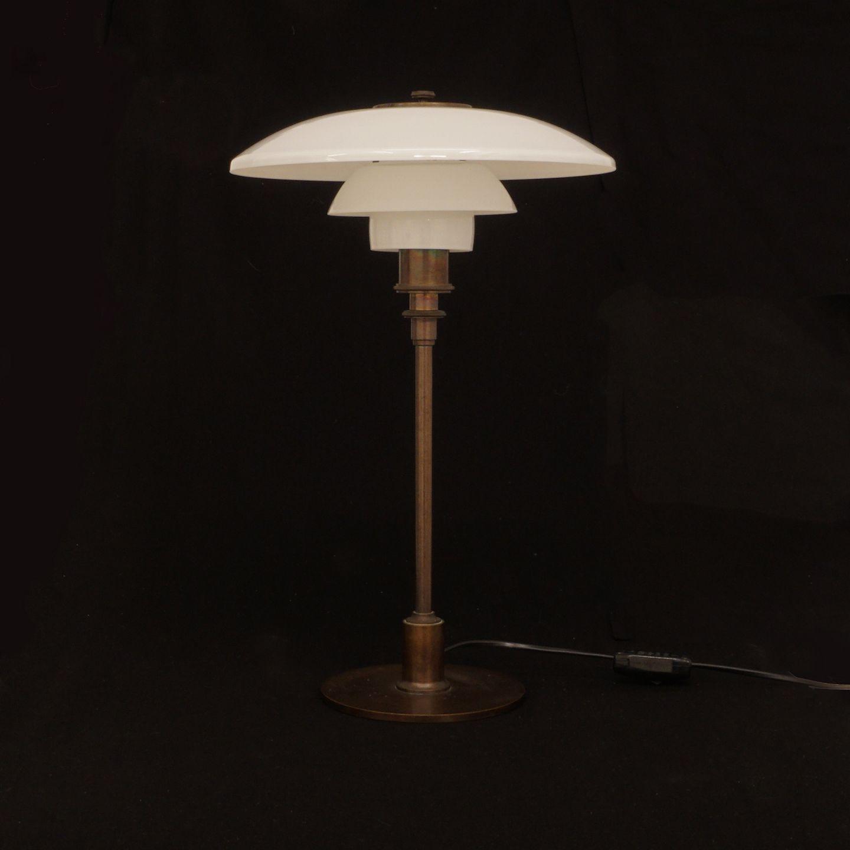 aabenraa antikvitetshandel poul henningsen ph tre lampe produceret af louis poulsen. Black Bedroom Furniture Sets. Home Design Ideas